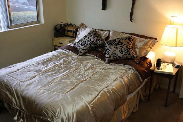 Jak erotycznie zaaranżować sypialnię