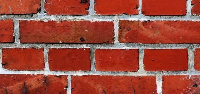 Co powoduje zawilgocenie murów?