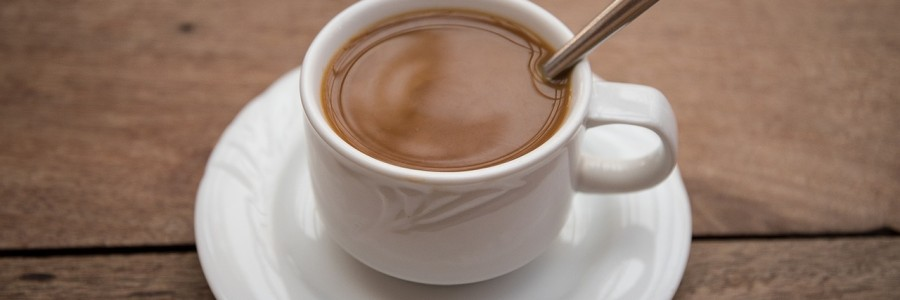 Jak dobrać odpowiedni stolik do kawy?
