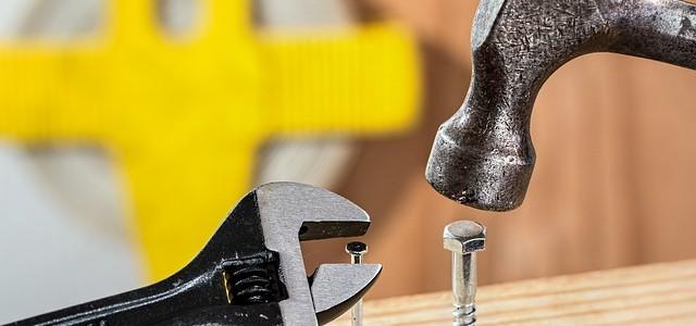 Zestaw narzędzi – co musi się znaleźć w każdej skrzynce z narzędziami?