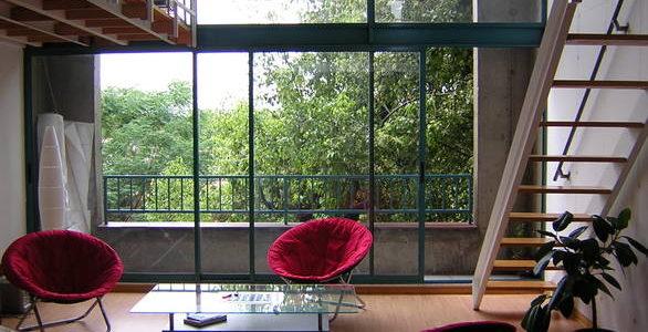 Stolik kawowy w stylu loft – 3 stylowe propozycje