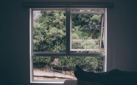 Okna antywłamaniowe – tu liczą się dobre okucia