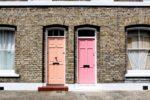 Jak wybrać dobre drzwi z naświetleniem?