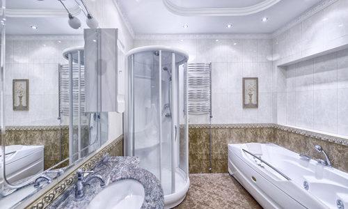 Panel prysznicowy z hydromasażem – czy warto?
