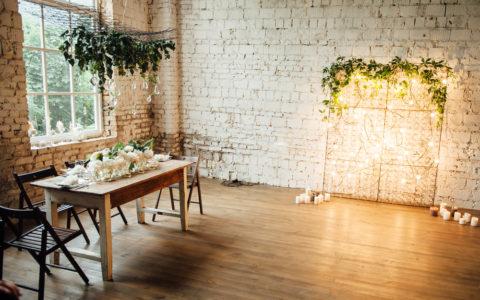 Dąb, jesion czy merbau? Jakie są najpopularniejsze gatunki drewna na podłogę?