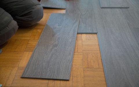Dlaczego warto położyć panele winylowe na podłogę w twoim domu?