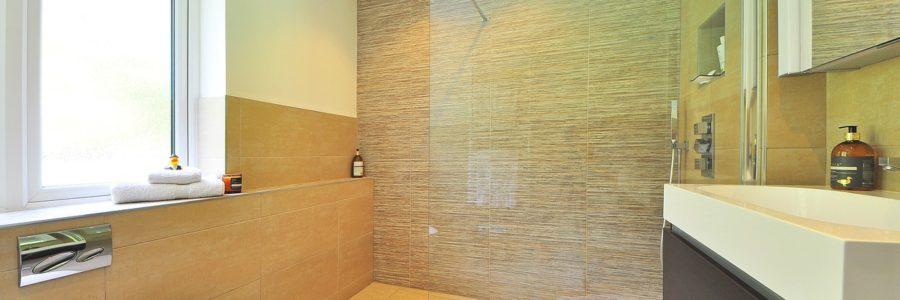 Prysznic walk in – sprawdź rodzaje kabin otwartych