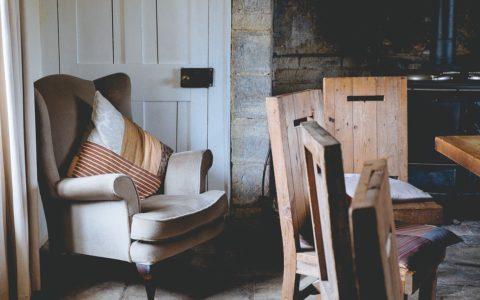 Drewno we wnętrzach – jakimi elementami je wprowadzić?